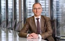 Bayer's chief backs Consumer Health division